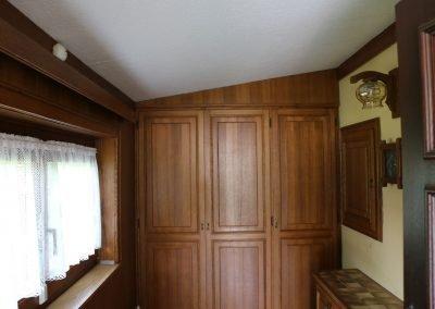 Vorraum mit eingebauten Schränken