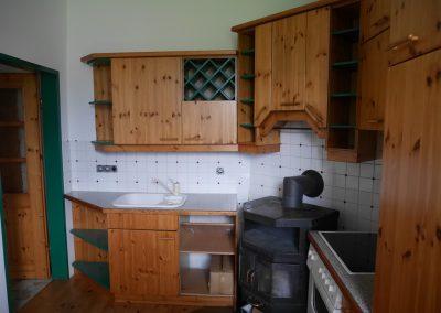 Küchenblock mit Holzofen